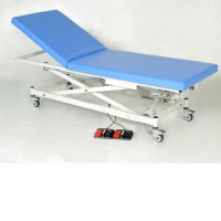電動治療ベッド